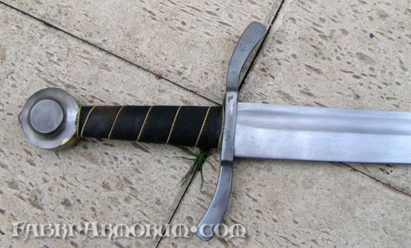 Sword falchion